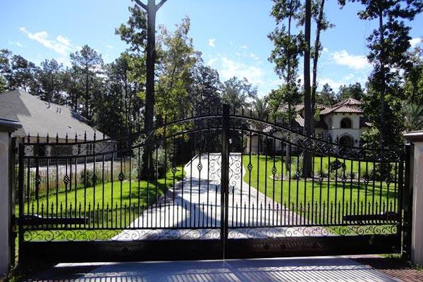 Driveway Gates In Houston Texas